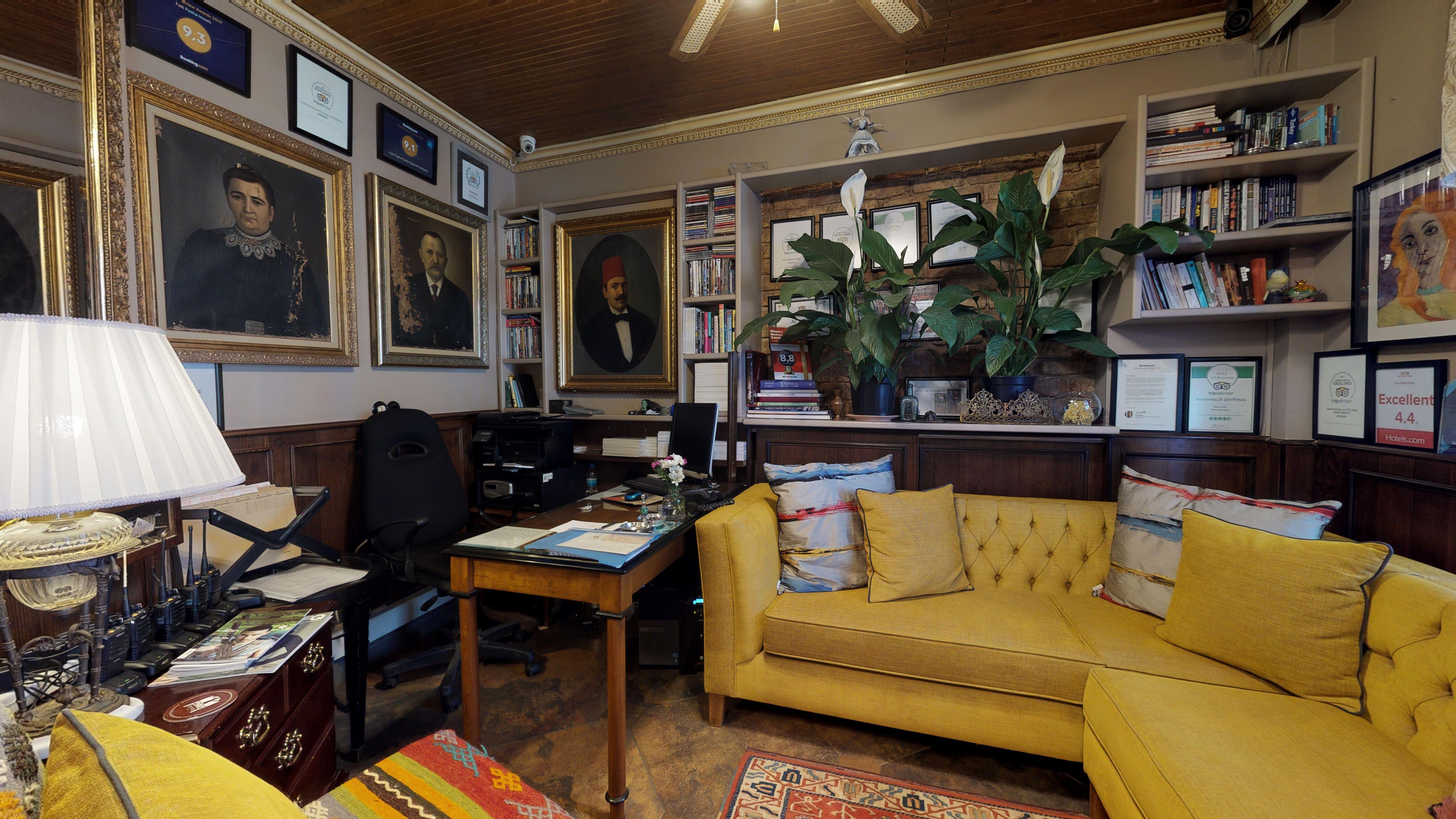 FAIK-PASHA-Apartments-Suit-06072019_173400