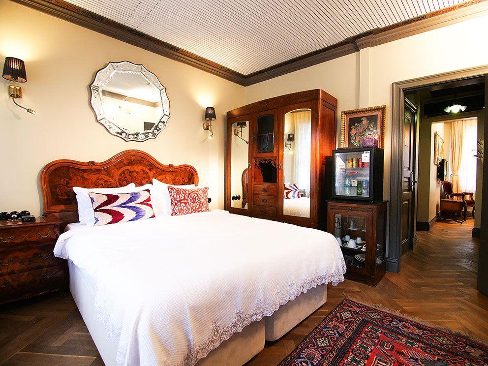 Faik Paşa Apartments Rooms